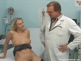 Horny Blonde Gets a Nice Day at the Hospital