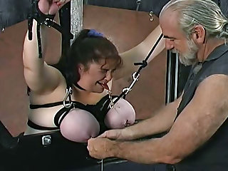 Fat girl loves tit torture