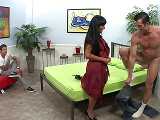 Exotic senorita spreads her legs and takes it in a balls-deep way