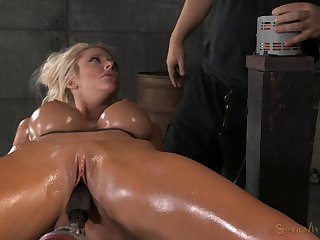 Scream as oiled bondage dame gets throbbed with machine in BDSM