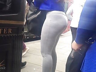 Candid Walk 30 - Tight Ass Yoga Pants