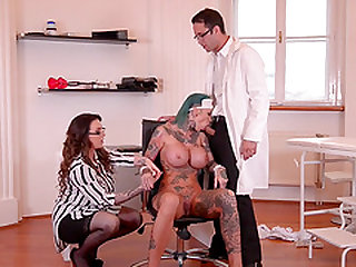 Harmony Reigns and a doctor ravish stunning babe Calisi Ink