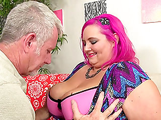 Fat Ass Sara Star Spreads Her Butt Cheeks and Sits on a Cock