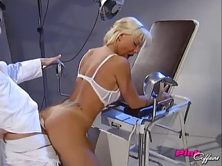 Doctor buries his hard cock in his sexy blonde patient's ass