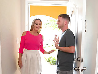 Big dick is all blonde chick Tucker Pierce is interested in