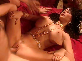 Fine ass cowgirl throbbed doggystyle in retro close up