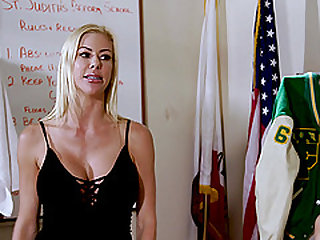 Lesbian action in a locker room with Alexis Fawx and Jill Kassidy