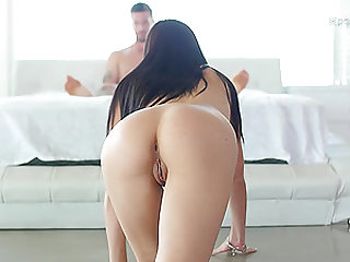 Marley Brinx looking so luscious having her pussy penetrated