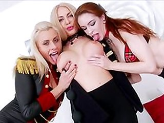 Butt fucking extreme toying between naked lesbos