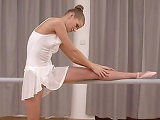 Young ballerina is too tight for such a nervous cock