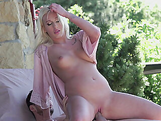 Teen blonde vixen Daisy Lee gets her pussy licked, fingered and fucked