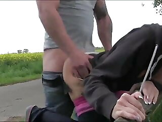 Lucky Guy Met Horny Chick and Fucked Her Outdoor