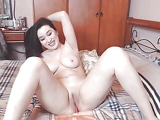 SEXY ASIAN WITH HOT BODY AND BIG BOOBS RUBBING HER PUSSY