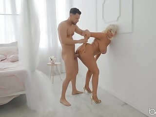 Rough fucking of a fat ass milf slut in golden high heels