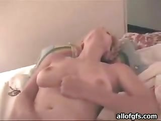Blondie Reaches And Orgasm As She Masturbates In This Homemade Clip