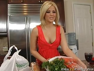Cookin' it Up With The Blonde Pornstar Alexis Texas
