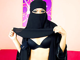 Muslim Asian Babe Sucks Cock and Gets Fucked Wearing a Veil
