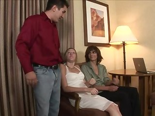 Kinky dude teaches his wife how to give a perfect blowjob